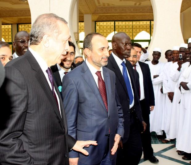 Başbakanımız Recep Tayyip Erdoğan Dakar İslam Enstitüsünü Ziyaret Etti!