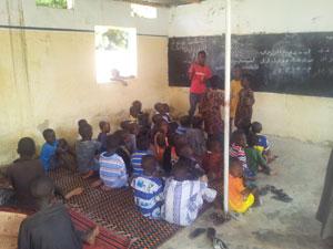 SENEGAL'DEKİ MAHALLİ KURSLARDA YÜZLERCE ÖĞRENCİ EĞİTİM ALIYOR